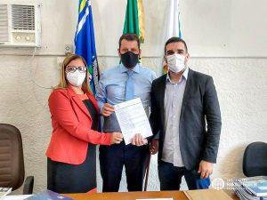 Read more about the article Prefeitura e Curso Passei assinam parceria