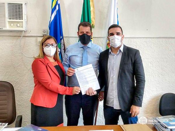 Prefeitura e Curso Passei assinam parceria