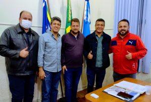 Read more about the article Reunião no gabinete com o Deputado Estadual e Secretários de Paracambi.